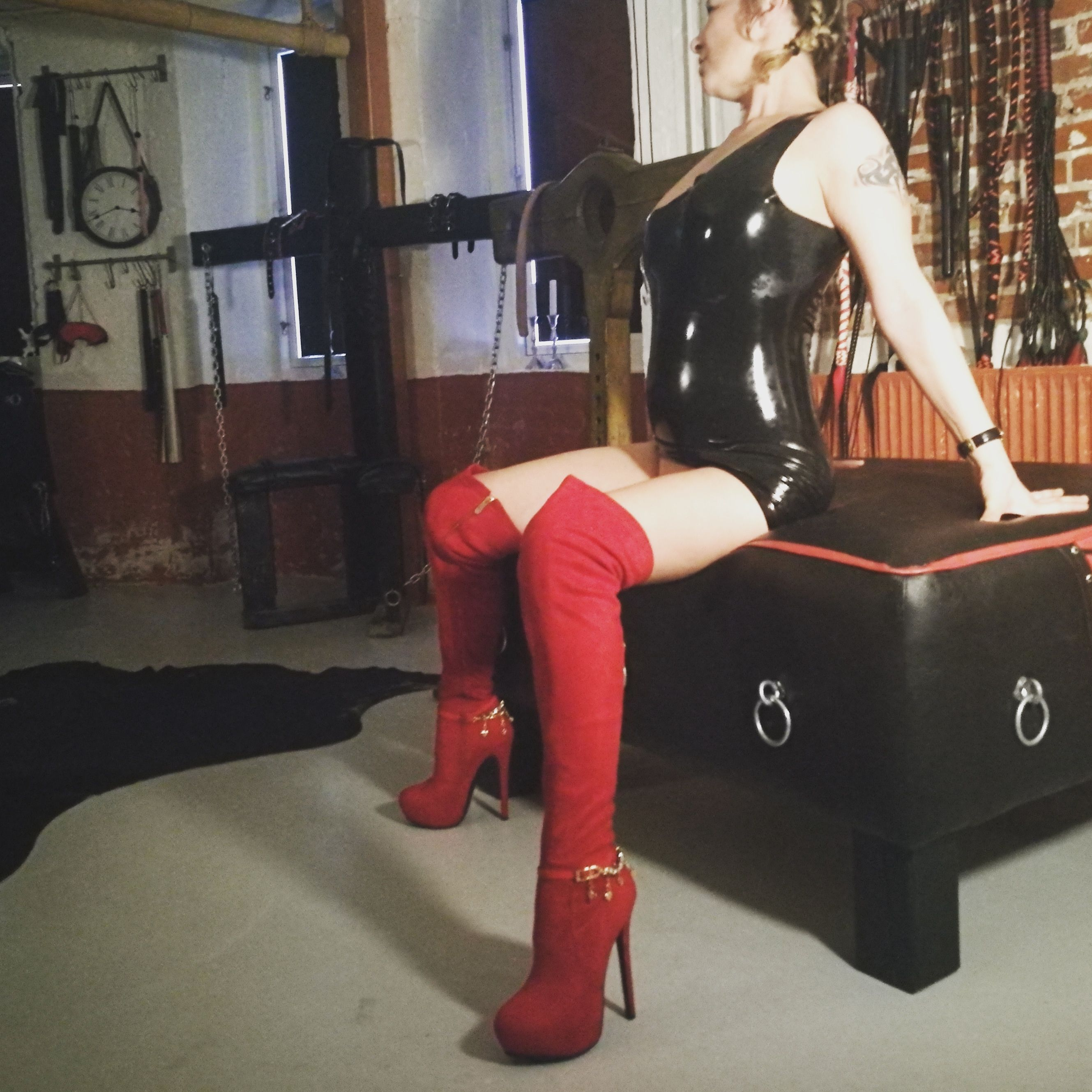Domina Lady Laura